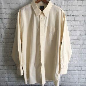 Jos. A. Bank travelers collection buttondown shirt